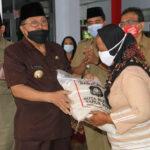 Wali Kota Blitar Mulai Salurkan Rastrada Tahap I Tahun 2021