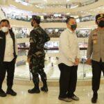 Hari Pertama Idul Fitri, Kapolda Jatim Pastikan Tertib Prokes di Pusat Perbelanjaan