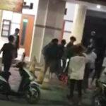 Viral di Medsos, Dua Kelompok Remaja Tawuran di Depan Masjid Asembagus Situbondo