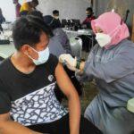 Wanita Pemilik Salon di Jombang: Vaksin Dahulu, Nge-Mal Kemudian